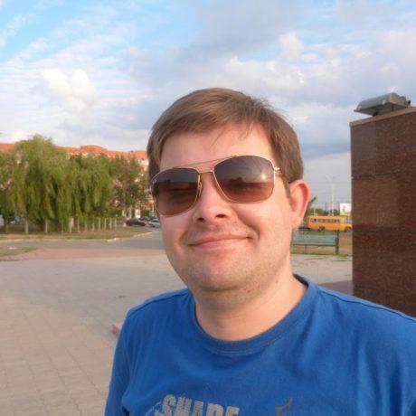 Анатолий Голомазов
